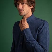 👔 Elegante chemise en jacquard 100% coton, la Lucien Windsor saura vous donner ce petit côté british à vos look travaillés !  🧵 Bleue marine et ornée d'un motif Prince De Galles, elle est disponible sur notre eshop avec le reste de la collection #FW2020.  #menswear #mensfashion #lesgarconsfaciles #fallwinter2020 #londoncalling #londonvibes #shirt #chemisehomme #mensshirt