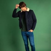 🧵 Conrad est LA veste de la saison ; chaude mais pas trop encombrante, elle s'accordera avec l'ensemble de vos tenues, en semaine comme pour le week-end !   ➡️ Retrouvez la avec de nouvelles pièce sur notre eshop !   #menswear #mensfashion #lesgarconsfaciles #fallwinter2020 #londoncalling #londonvibes #jacket #mensjacket