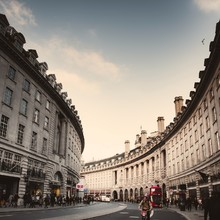 Regent Street 🇬🇧  📸 @withluke  #london #londoncalling #menswear #mensfashion #lesgarconsfaciles #regentstreet #londonpic #londoncity   
