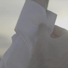 👔 Le score était serré, mais la majorité a tranché, ce sont les poignets droits qui l'emportent pour la chemise facile !🧵 Classiques et élégants, vous étiez plus de 43% à les plébisciter.#whiteshirt #whitecolar #menswear #mensfashion #précommande #preorder #mensshirt