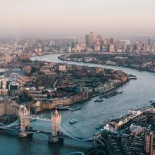 London from the sky 🌆 🇬🇧  📸 @bendavisual  #london #londoncalling #menswear #mensfashion #lesgarconsfaciles #towerbridge #bridge #londonpic #londoncity